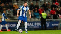 La afición del Porto corea el nombre de Héctor Herrera después de su gol