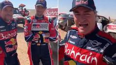La divertida felicitación de Alonso: ¡la cara de Carlos Sainz lo dice todo!