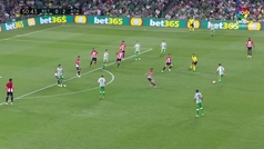 Gol de Bartra (1-2) en el Betis 2-2 Athletic