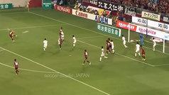 Iniesta intentó un 'medietazo' en su debut en Japón
