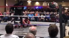 Inesperado regreso de un mito de la WWE: CM Punk salta al ring enmascarado