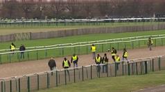 Los chalecos amarillos asaltan el hipódromo de Chantilly