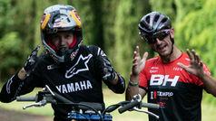 Cuando se juntan dos 'locos' del deporte como Carlos Coloma y el piloto de freestyle Tom Pages
