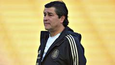 """Salvador Reyes: """"Me entristece que no tomen en cuenta a Luis Fernando Tena"""""""