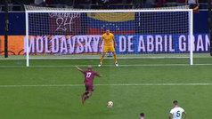 El curioso penalti de Yosef Martínez para tumbar a Argentina en el Wanda