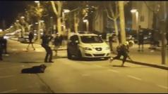 Un grupo de jóvenes atacan a los Mossos en Pallejá (Barcelona)