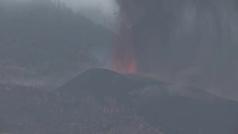 La erupción volcánica emite entre 8.000 y 10.500 toneladas de dióxido de azufre al día