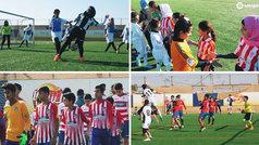 Los colores de LaLiga tiñen de fútbol y valores un campo de refugiados en el Día del Niño