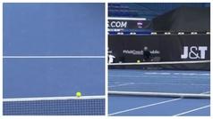 Cuando una pelota de tenis se viste de funambulista