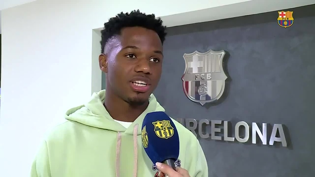 """Ansu Fati: """"Muy feliz de poder seguir en el club que tanto quiero"""""""