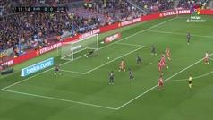 Las dos maravillas de Messi ante el Girona que no acabaron en gol de milagro