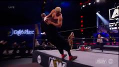 El gigante Shaquille O'Neal debuta en la lucha libre con esta espectacular KO
