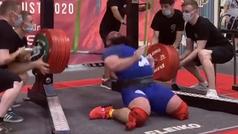 A un halterófilo Alexander Sedykh le revientan las rodillas al levantar 400 kilos