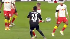 Maravilla del Leipzig: taconazo de Dani Olmo y gol de Angeliño