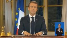 """Macron asume su """"responsabilidad"""" ante crisis de chalecos amarillos"""