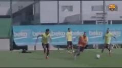 Luis Suárez siempre vuelve. Golpeo de tres dedos y golazo con el exterior al estilo Ronaldinho