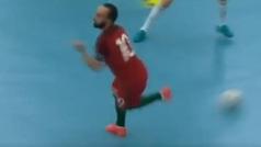 Ricardinho comparte un vídeo de sus detalles técnicos... y Vinícius alucina