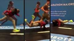 Caída viral de Mo Farah: Tremendo trompazo al tratar de subirse a una máquina de correr