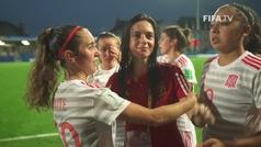 Aitana Bonmatí es consolada por sus compañeras tras el pase a la final del Mundial