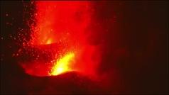 La lava amenaza con atravesar el barrio de La Laguna