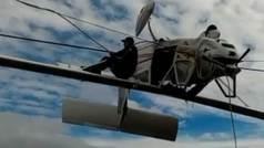 Una avioneta se estrella contra los cables de un telesilla: Así fue el angustioso rescate
