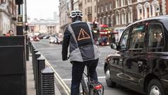 'Emoji Jacket', una chaqueta con emoticonos que peude salvar vidas