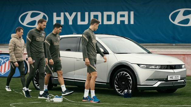 El Hyundai Ioniq 5, compañero sorpresa en el entrenamiento del Atlético de Madrid