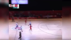 El Stephen Curry de los jugadores paralímpicos:  Triple viral desde más de 22 metros