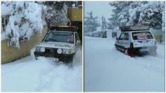Así sale un Fiat Panda de un garaje con medio metro de nieve