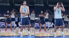 Santi Aldama ya saben cómo se las gastan a los novatos en la NBA: bromas al ritmo de Macarena