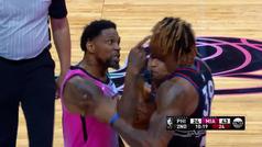 El jugador más veterano de la NBA debuta esta temporada y le echan a los tres minutos