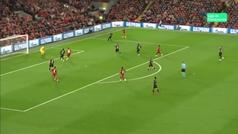 Gol de Robertson (2-0) en el Liverpool 4-3 Salzburgo