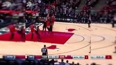 El tapón decisivo de Marc Gasol para cortar la mala racha de los Raptors