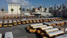 La flota de autobuses escolares permanece a la espera de saber cómo será el próximo curso