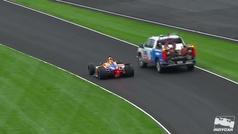 Debut con susto de Alonso en las 500 Millas
