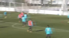 Benzema ya se ha pasado el juego: ¡vaya golazo... con el pecho!