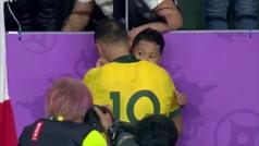 El abrazo y las lágrimas de una de las estrellas de Australia que emociona al mundo del rugby