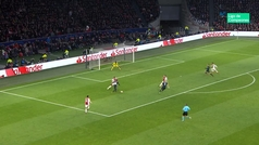 Gol de Benzema (0-1) en el Ajax 1-2 Real Madrid