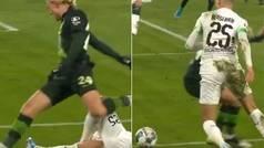 El doble caño que arrasa en la Bundesliga: desde el suelo... y otro sin mirar