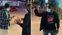 Lección de humildad de Drenthe con un sintecho a la puerta de un supermercado