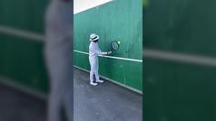 El reto de Federer a sus seguidores: dar toques a la pared sin que la bola caiga