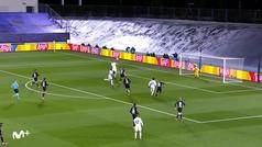Gol de Benzema (1-0) en el Real Madrid 2-0 Borussia Mönchengladbach