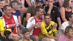 El karma del VAR: celebra un gol en la cara de su rival...