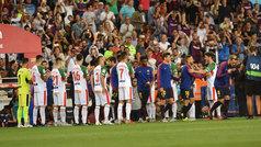 El Alavés rindió homenaje al Barcelona con un pasillo por la Supercopa de España