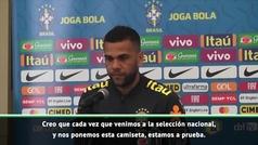 "Alves: ""Con o sin Neymar, representamos a una selección histórica"""