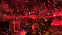 La torcida del Hadjuk incendió Split en su 70 aniversario, el cielo se pintó con sus colores