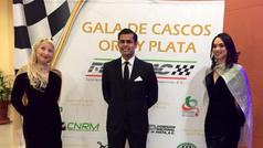 Pilotos Calderón y Dörrbecker reciben premios por logros en NASCAR México