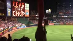 El polémico cántico indio del 'Tomahawk Chop' de los Braves de la MLB