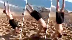 Atleta sorprende en las dunas...¡Desciende dando giros mortales!