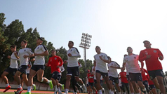 Chivas ya entrena en Emiratos Árabes Unidos